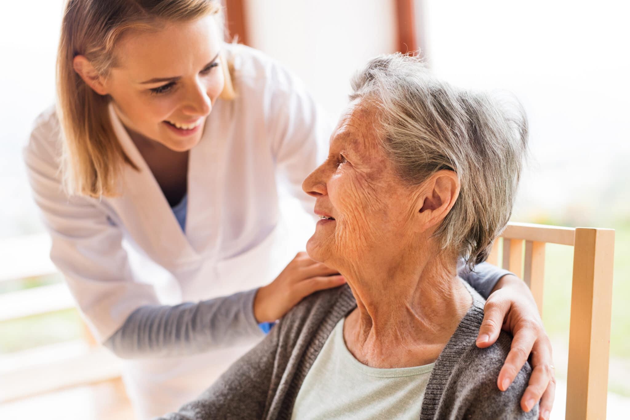 Soins à domicile : avantages et inconvénients !  Prevention Sante