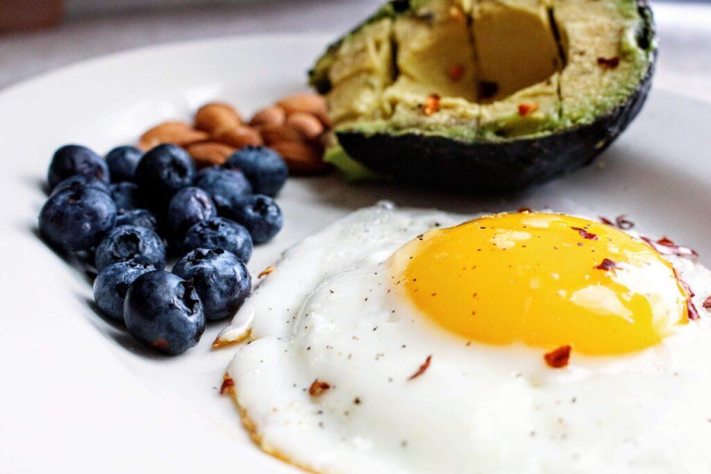 De quoi votre corps a-t-il besoin pour tenir jusqu'au déjeuner ?